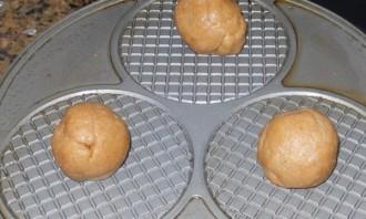 Голландские вафли с карамелью - фото шаг 5