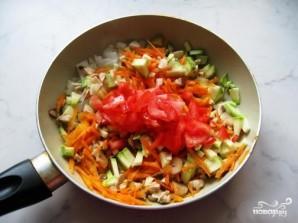 Кабачки, фаршированные рисом и овощами - фото шаг 4