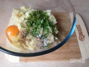 Биточки из картофеля, лосося и зеленого горошка - фото шаг 5