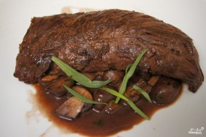 Стейк из говядины с грибным соусом - фото шаг 6