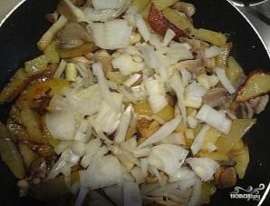 Вешенки, жареные с картошкой - фото шаг 6