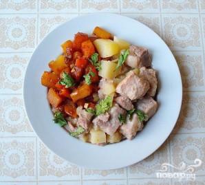 Свинина тушеная с картофелем, тыквой и морковью - фото шаг 5