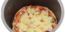 Пицца с ветчиной в мультиварке - фото шаг 9