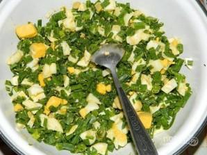 Пирог с яйцами и зеленым луком в мультиварке - фото шаг 3