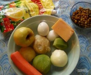 Праздничный слоёный овощной салат с зелёной редькой  - фото шаг 1