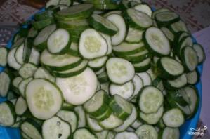 Огурцы в томатной заливке - фото шаг 2