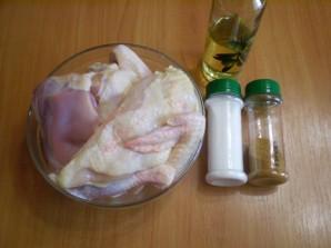 Жареная курица кусочками на сковороде - фото шаг 1