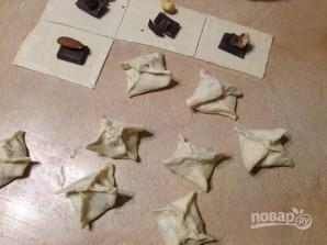 Слоеные печенья с шоколадом и орехами - фото шаг 3