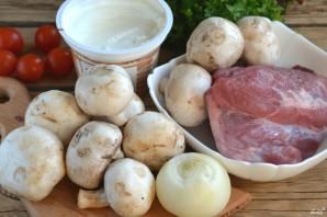 Мясо под грибным соусом - фото шаг 1