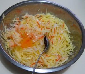 Капустно-картофельные оладьи - фото шаг 2
