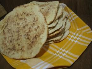 Лепешки на сковороде на кефире - фото шаг 5