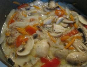 Курица с овощами в казане - фото шаг 3