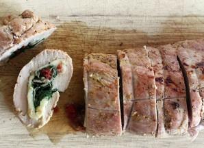 Праздничный рулет из свинины с начинкой - фото шаг 6