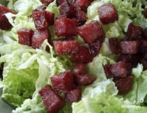 Салат из пекинской капусты с копченой колбасой - фото шаг 5