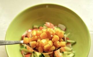 Салат с королевскими креветками - фото шаг 3