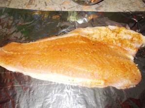 Кабачки с рыбой в духовке - фото шаг 8