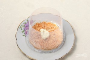 "Салат ""Мимоза"" (рецепт с рисом) - фото шаг 2"