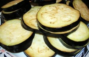 Баклажаны с сыром и чесноком - фото шаг 3