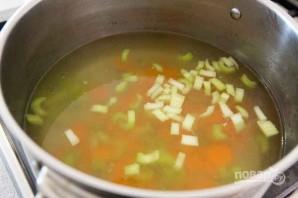 Вкусный куриный суп с лапшой - фото шаг 7