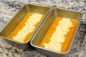 Морковный пирог с начинкой из сливочного сыра - фото шаг 9