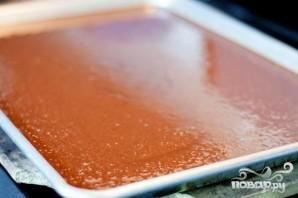Шоколадный пирог с ореховой глазурью - фото шаг 3