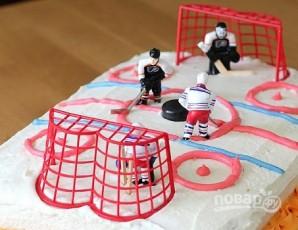 Торт с хоккейной тематикой - фото шаг 6