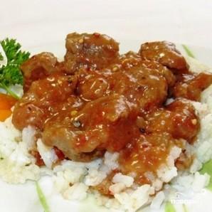 Тушеное мясо в помидорно-луковой подливке - фото шаг 8