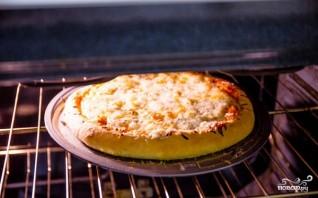 Пицца на пышном тесте - фото шаг 8