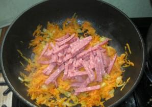 Суп с колбасой и вермишелью - фото шаг 7