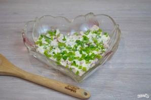 """Салат """"Петушок"""" с курицей и помидорами - фото шаг 2"""
