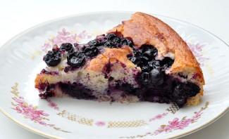 Пирог с творогом и черной смородиной - фото шаг 5