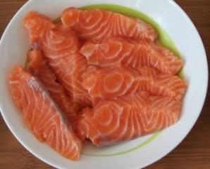 Красная рыба в кляре - фото шаг 2