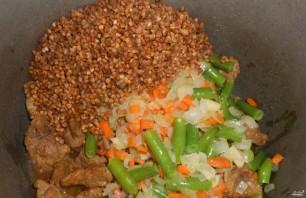 Гречка, тушенная с мясом - фото шаг 2
