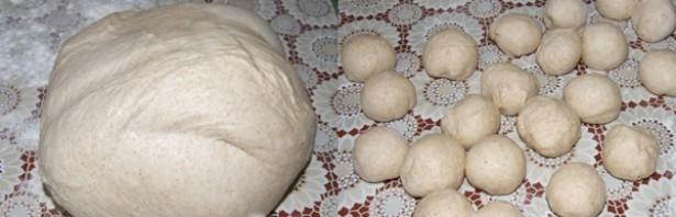 Пирожки с грибами и картошкой в духовке - фото шаг 3