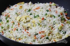 Рис с овощами и яйцом - фото шаг 6