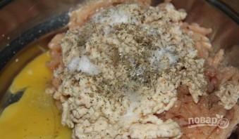 Тефтели куриные в сливочном соусе - фото шаг 1