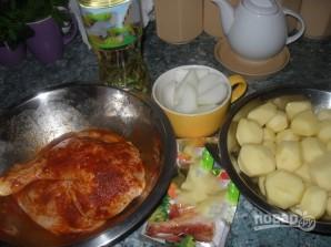 Курица с картошкой в рукаве в духовке - фото шаг 1