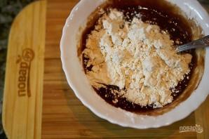 Шоколадные маффины с жидкой начинкой - фото шаг 4