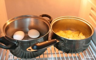Cалат картофельный с яйцом - фото шаг 2