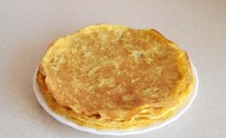 Салат с яичными блинчиками - фото шаг 2