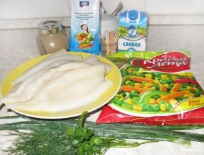 Кальмары, фаршированные овощами - фото шаг 1