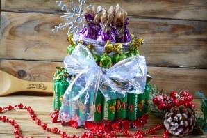 """Новогодний торт из конфет """"Сюрприз"""" - фото шаг 5"""