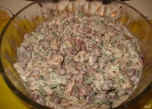 Салат из красной фасоли с сухариками - фото шаг 3