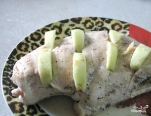 Куриная грудка с яблоками - фото шаг 3