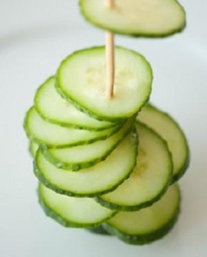 Елочка из овощей - фото шаг 4