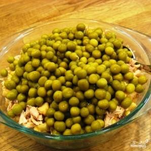 Салат с зеленым горошком - фото шаг 4
