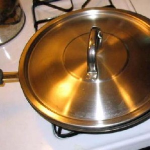 Жареная колбаса с картофелем  - фото шаг 5