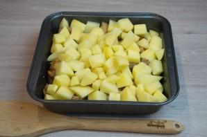 Свинина с картофелем в духовке - фото шаг 5