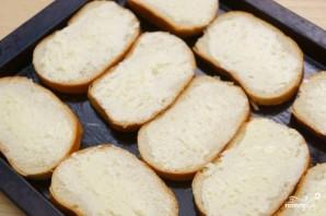 Гренки с чесноком и сыром в духовке - фото шаг 4