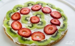 Бисквитный торт с фруктами и творожным кремом - фото шаг 11